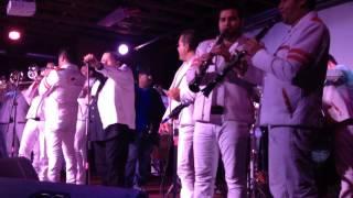 El Coyote Y Su Banda Tierra Santa - Arboles De La Barranca