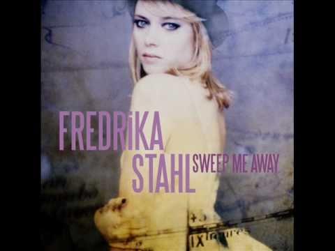 fredrika-stahl-twinkle-twinkle-little-star-musique-de-la-publicite-music-ad-nissan-juke-fredrikastahl