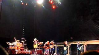 Doobie Brothers - Little Bitty Pretty One (2011)