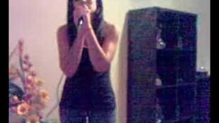 Me singing Longe do mundo Sara tavares cover