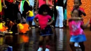 Baile fin de año 2014 Sacude la Hormiguita