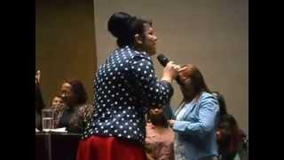 Vanilda Bordieri dando testemunho de sua filha