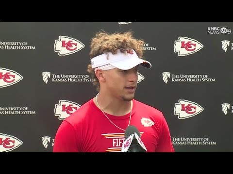 MINUTES WITH MAHOMES: Chiefs quarterback talks about new roster additions