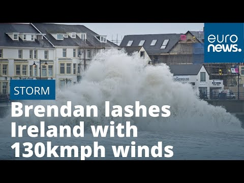 Storm Brendan lashes Ireland with 130kmph winds photo
