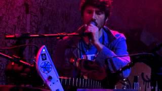 John Ulhoa with Gruff Rhys - No Aeroporto (Pato Fu) - 07/03/2012