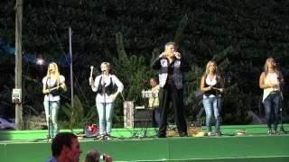 Sidonio Silva e suas bailarinas, a poncha