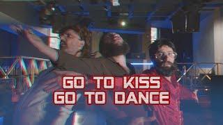 GO TO KISS GO TO DANCE | Paródia Toy - Coração não tem idade
