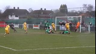 FUNNY - Cray Valley PM goalkeeper rattles the post with his head