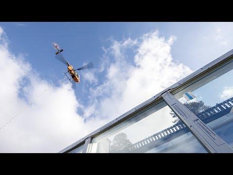 Helikopterleverans av skjutparti Patio Life till ö