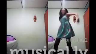 katalina sile.. something different (musical.ly)