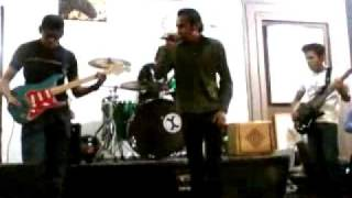 punto Y coma - voodoo (live cafee Herran)