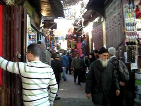 Llamada al rezo en la medina de Fez