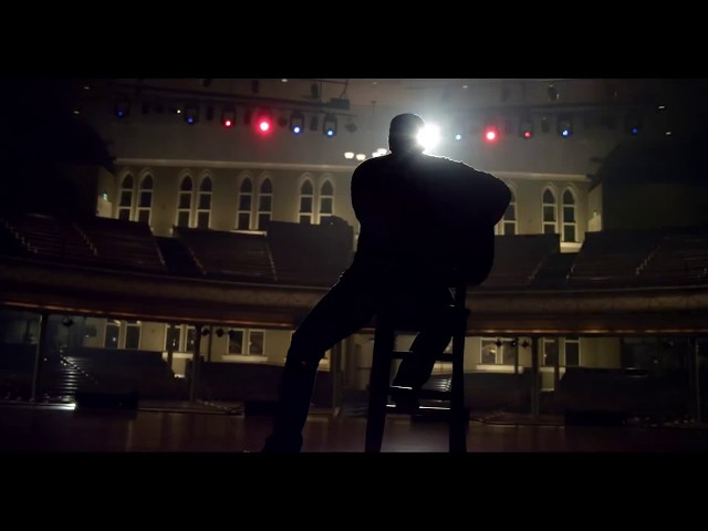 "Vídeo oficial de ""I don't dance"" de Lee Brice."