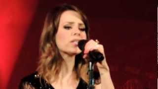 """SANDY LEAH canta """"Quando você passa / Thuru thuru"""" em Vitória/ES dia 10/11/2012"""
