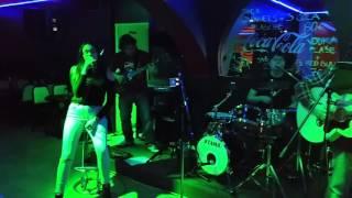 Stefani Buligovic & Nema problema band - Live - Bato (Rodjeni)