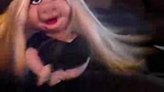 Miss Piggy Diva Puppet CAM Video 2 Dose Britney