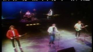Dire Straits - So Far Away HD