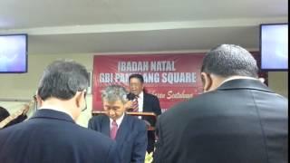 Pdm  Sunarto memimpin Perjamuan Kudus Pamulang 3 Januari 2016