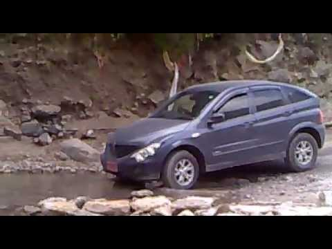 ssangyong actyon in 10,000 feet nepal