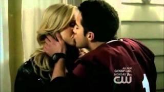 Vampire Diaries Kiss (Heartbeat, Enrique Iglesias ft. Nicole Scherzinger)