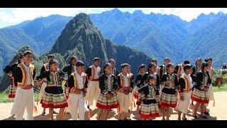 Chaska Ñahuy NIñucha # Coro Kana Wawakunas # Villancico Quechua.