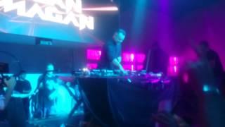 Juan magan canta duele el corazón de Enrique Iglesias en live
