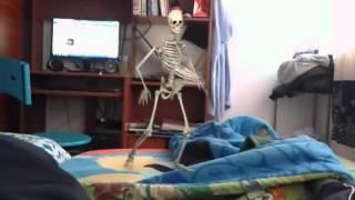 El esqueleto bailarin