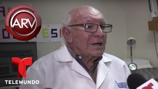 Anciano asegura que puede sanar con luces de colores   Al Rojo Vivo   Telemundo