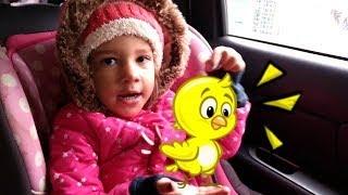Meu pintinho amarelinho - músicas infantis | Sarah cantando com 2 anos