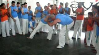 Capoeira Ayê Roda de Gigantes