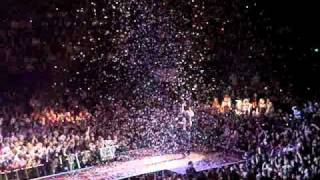 P!nk Get The Party Started Live.