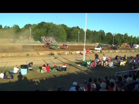 Farwell,Michigan 4th of July celebration 2018 USA figure eight Heat 1(RWD cars)