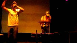 Ninos Du Brasil, live at Ultra Eczema's Bruismelk festival, Scheld'apen, 2012-09-15 [fragment 1]