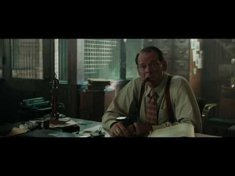 """Vivir de Noche - Clip '¿Por qué estoy hablando contigo""""' Castellano HD"""