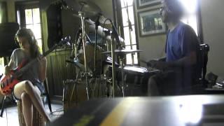 Tinindo Trincando - Drums and Bass cover