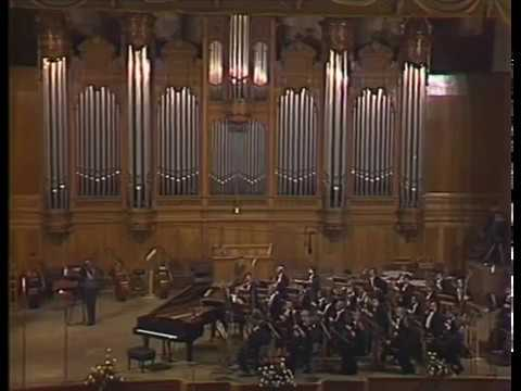 Beethoven - Piano Concerto B-dur #2, op.19. Mikhail Pletnev. 1990, Moscow