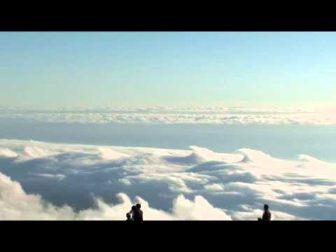 Amazing Clouds on Top of Table Mountain – South Africa