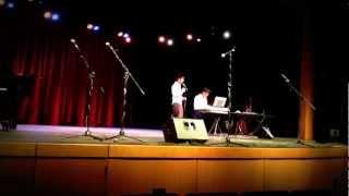 Me va a extrañar - Noel Schajris (Honors College Wide Talent Show)