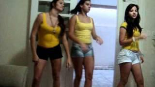 As Meninas Do Waka Waka...