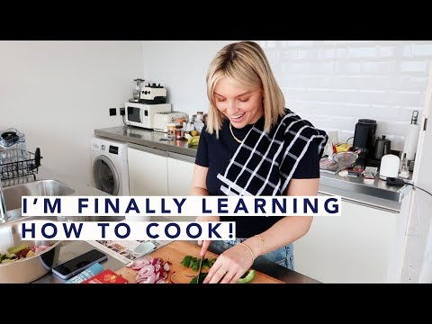 AD / LEARNING HOW TO COOK! | Estée Lalonde