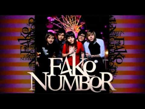Em Controle de Fake Number Letra y Video