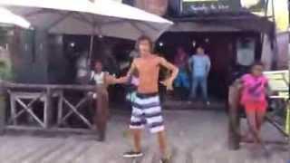Cabelinho dançando Lepo Lepo