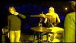 Kasabian - Club Foot (Live at Évry, 10.01.2005)
