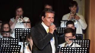 Forever Band & Frank Galan: Un canto a Galicia