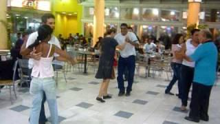 Baile dos bons tempos no Santa Cruz Shopping