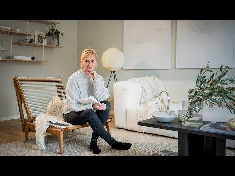 Pella Hedeby tolkar Svedmyra