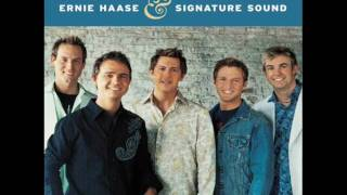 Ernie Haase & Signature Sound - Telling The World About His Love
