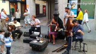 Radio Fanjul en la Calle Ancha de Sanlúcar