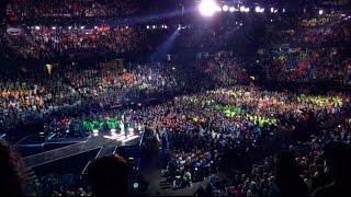 I'm in Edmonton, Kids at WE-day - m1kTV0160