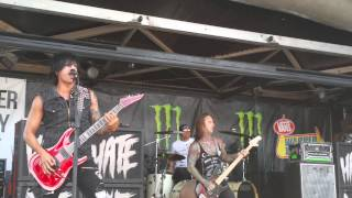 Escape The Fate - The Flood (Live)